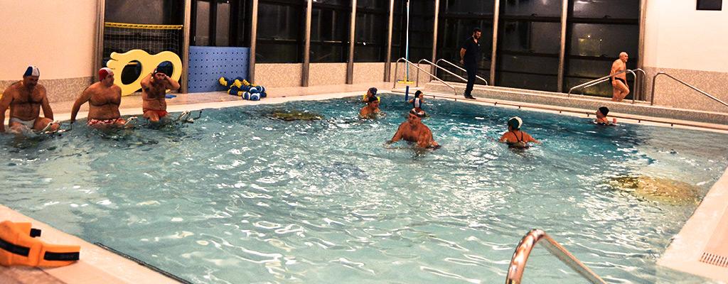 In piscina - Acqua orecchie piscina ...